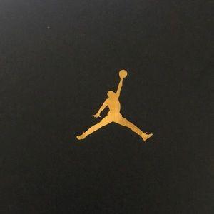 Air Jordan 11 Retro Low GG